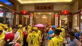 2020年白沙屯媽祖進香第一天,駐駕清水福宴餐廳。(圖/翻攝自拱天宮臉書)