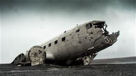飛機 相撞 飛機失事 事故 圖/翻攝自pixabay https://pixabay.com/photos/airplane-wrecked-plane-aircraft-731126/