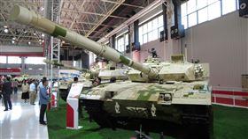 中國簽署UN武器貿易條約中國駐聯合國大使張軍表示,中國已簽署規範武器販售的全球性「聯合國武器貿易條約」,表明維護國際軍控、支持多邊主義的決心與誠意。圖為2018年珠海航展裡的中國各型外貿戰車。中央社記者陳亦偉攝 109年7月7日