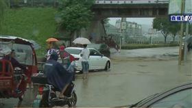 安徽省黃山市歙縣境內多條河流水位上漲,淹水。(圖/翻攝自央視新聞微博)