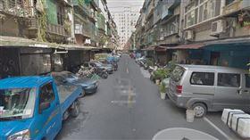 巷弄、公寓、臨停、車庫、亂象、違停。(圖/翻攝自Google Map)