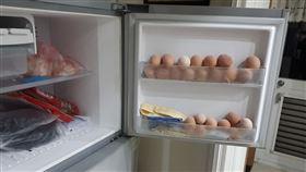 阿嬤20顆雞蛋放冷凍庫(圖/翻攝自爆怨公社)