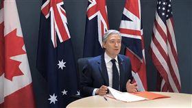 加拿大外交部長沈潘8日推文說,他與紐西蘭、澳洲、英國、美國4國外長商討許多攸關國際和平和安全的議題。(圖取自twitter.com/FP_Champagne)