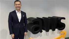 AWS:5G開台將加速產業智慧化亞馬遜公司旗下雲端服務AWS香港暨台灣總經理王定愷9日受訪表示,台灣電信業5G開台,將加快產業邁向智慧化,雲端運算發展將帶動資料中心相關的資通訊產業成長。中央社記者吳家豪攝 109年7月9日