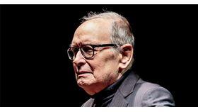 譜寫《荒野大鏢客》、黃昏三鏢客等名作永留人心的經典配樂,為影壇立下一代標竿的義大利作曲大師莫利克奈(Ennio Morricone)6日辭世,享耆壽91歲。