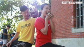 阿白香蕉端午節吃粽子(圖/寶島神很大)