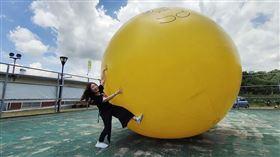 IG紅什麼/東勢採梨、1.5人高巨型阿梨氣球陪你嗨!(圖/翻攝自WISELY's 拍拍照寫寫字)限單次使用 僅限此新聞使用