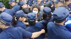 陳菊進立法院, 翻攝自國民黨團臉書