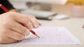 考試,畫卡,學生,教室。(圖/翻攝自pixabay)