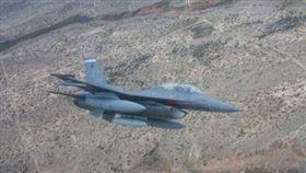 ▲新墨西哥州的F-16C毒舌戰鬥機。(圖/取自美國空軍官網)