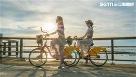 新北市政府觀光旅遊局推出「青春山海線—Fun開玩浪」6條最嗨、最放鬆的水上遊程。(圖/新北市觀旅局提供)