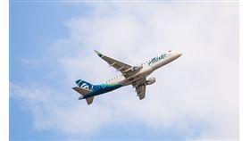 男子在班機上威脅要殺光所有乘客。(圖/翻攝自阿拉斯加航空臉書)