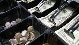 ▲收錢,收銀機,收銀機,付錢,消費,付款,買單,結帳。(圖/翻攝自Pixabay)