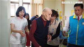 褲子穿20年、吃饅頭配開水 8旬老榮民捐700萬做公益