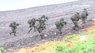 兩棲登陸秀肌肉 分梯搶灘完成任務