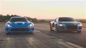 ▲Dodge Viper對決Audi R8(圖/翻攝自Track Day Youtube)