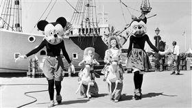 迪士尼樂園,50年代(圖/翻攝自theatlantic)
