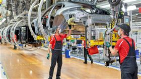 ▲保時捷萊比錫電動車工廠。(圖/Porsche)