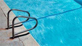 游泳池,泳池。(示意圖/翻攝自Unsplash)