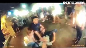 台北市陳男在臨江街夜市違停,警方埋伏將他逮捕並搜出3把改造手槍。(圖/翻攝畫面)\