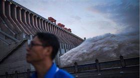 三峽大壩近日潰堤傳聞不斷(圖/翻攝自新華社)