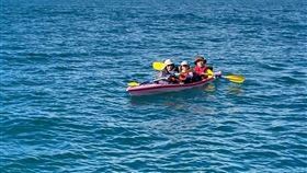 澎湖,遊客,意外,獨木舟,受困,海巡隊,圖/第八海巡隊提供