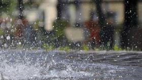 潑水、灑水示意圖/翻攝自pixabay