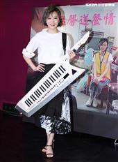 王瞳出席願有情「公益歌仔戲」發布,現場唱了一段歌仔戲。(記者邱榮吉/攝影)