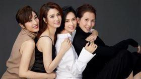 蔡少芬、陳法蓉、朱茵、洪欣,最近組成新團體「港普F4」。(圖/翻攝自微博)