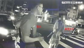 台中妹控執法過當?中警不忍了影片曝(圖/翻攝畫面)