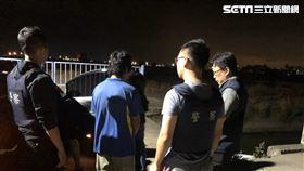 高雄市周男開槍打傷李男腹部後逃逸,警方循線將他逮獲。(圖/翻攝畫面)
