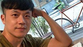 焦糖陳嘉行臉書發文批李眉蓁/翻攝臉書