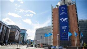 路透社掌握的歐洲聯盟草案文件顯示,歐盟將限制向香港出口可能用於鎮壓或監控的敏感設備和技術。(圖/翻攝自facebook.com/EuropeanCommission)