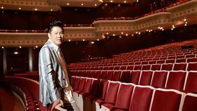 藝人曾國城日前因響應飢餓三十活動,於舞台劇《我的大老婆》排練現場,挑戰飢餓八小時。圖/傑星提供