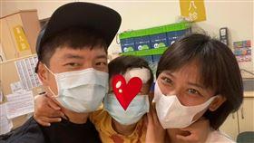 宥勝,兒子,頭破,麻醉,縫合。翻攝自臉書