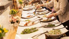 吃到飽,餐廳,生魚片,美食,食物 圖/pixabay