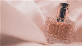 香水,噴香水,香味 圖/翻攝自unsplash
