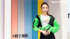 吳卓源擔任NewBalance新經典327系列品牌大使。(圖/NewBalance提供)