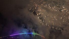 澎湖海上花火節已成為國內年度盛事。(圖/記者陳宜加攝影)