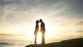 戀人,戀愛,情侶,交往,男女朋友(圖/翻攝自unsplash)