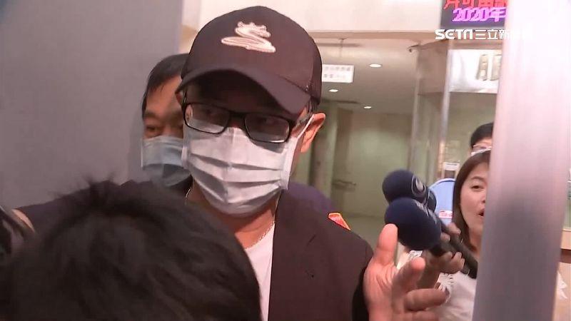 統領小開翁華利2百萬交保 律師駁任SOGO案「白手套」