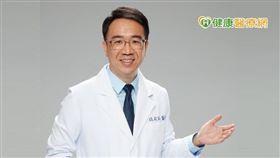 錢政弘醫師說明,目前長期服用此類藥物的安全性有醫學依據支持,患者不必過於擔心,倒是長期胃食道逆流沒有接受治療的話,反而會增加其他疾病的風險。