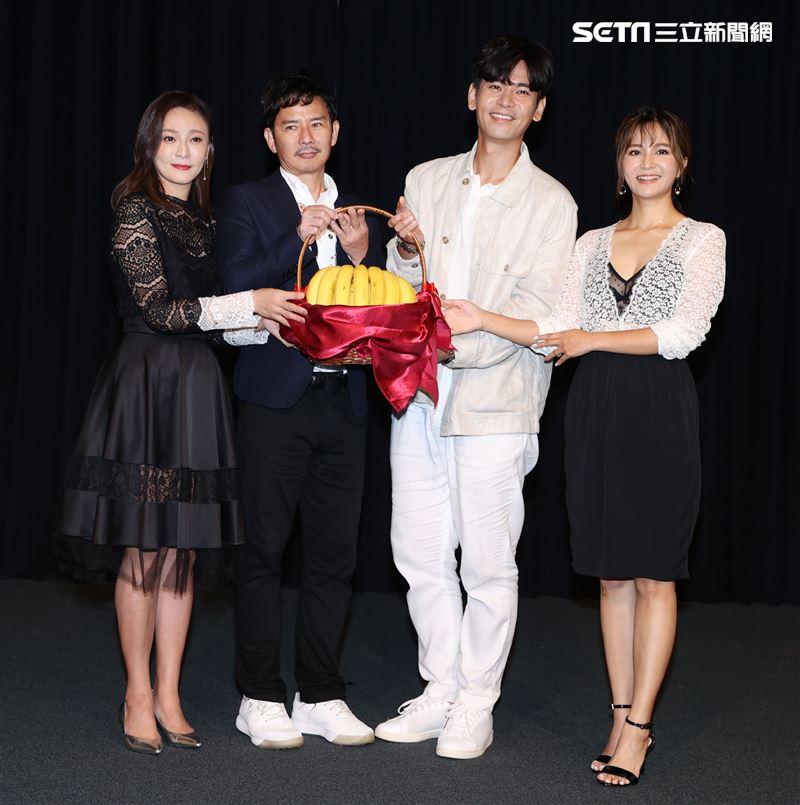 「天之驕女」演員梁家榕、王耿豪、楊子儀、吳怡霈。(記者邱榮吉/攝影)