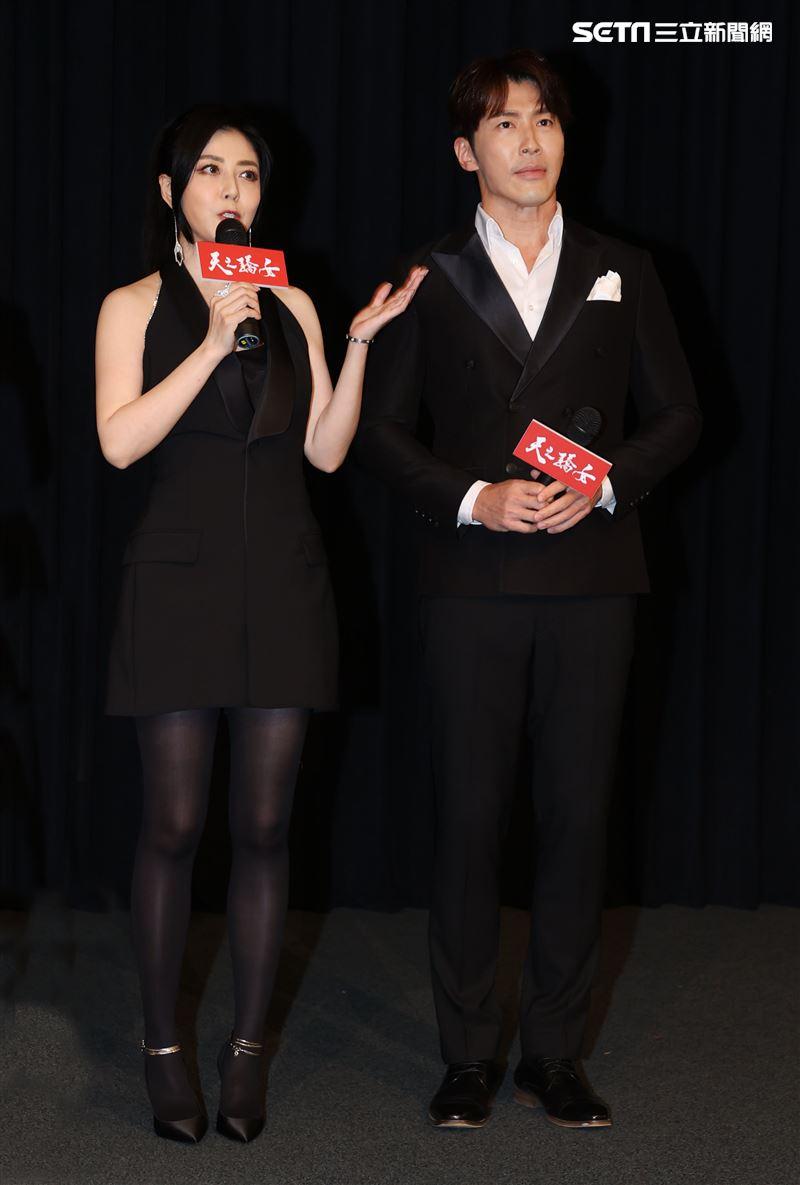 「天之驕女」演員韓瑜、黃少祺。(記者邱榮吉/攝影)