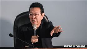 中廣董事長趙少康16日出席不當黨產委員會中廣、中影預備聽證會 圖/記者林敬旻攝