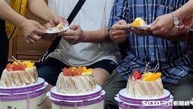 3閨密送蛋糕給弱勢家庭/雲林家扶提供