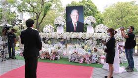 林右昌赴台北賓館追悼李登輝,民眾排隊追悼, 基隆市府提供