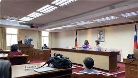 陳明通赴立法院內政委員會。