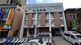 台北市警局忠孝東路派出所外觀。(圖/翻攝Google Map)