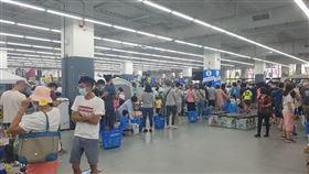 動滋券,網友PO下迪卡農運動用品店慘況,直言還是回家逛網購吧。(圖/PTT網友授權提供)